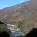 Al lado del Río Colorado entre Yolotepec y Santa Catarina Cuananá (Región Mixteca), Oaxaca, Mexico por Lon&Queta