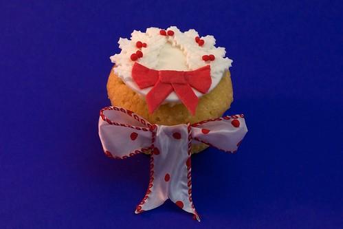 Cupcake świąteczny, biało-czerwony by CupcakeLovePL