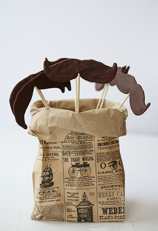 Bigotes de chocolate