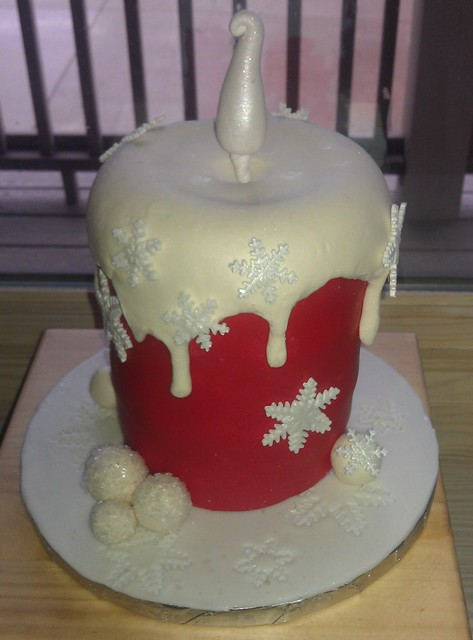 Cake Images With Candle : Red Christmas candle cake Flickr - Photo Sharing!