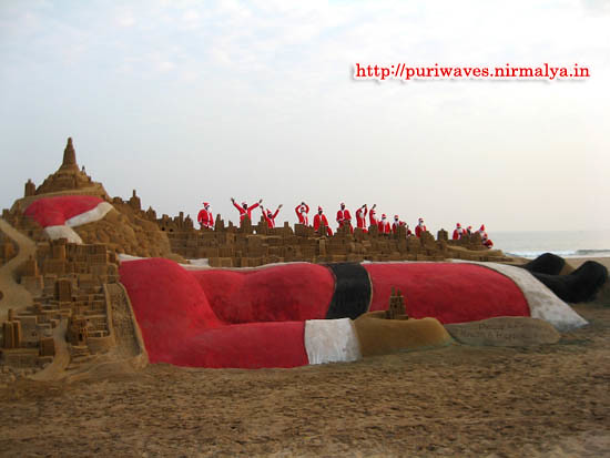 35 ft hight Santa Clause has created by Sudarshan Pattnaik and Group