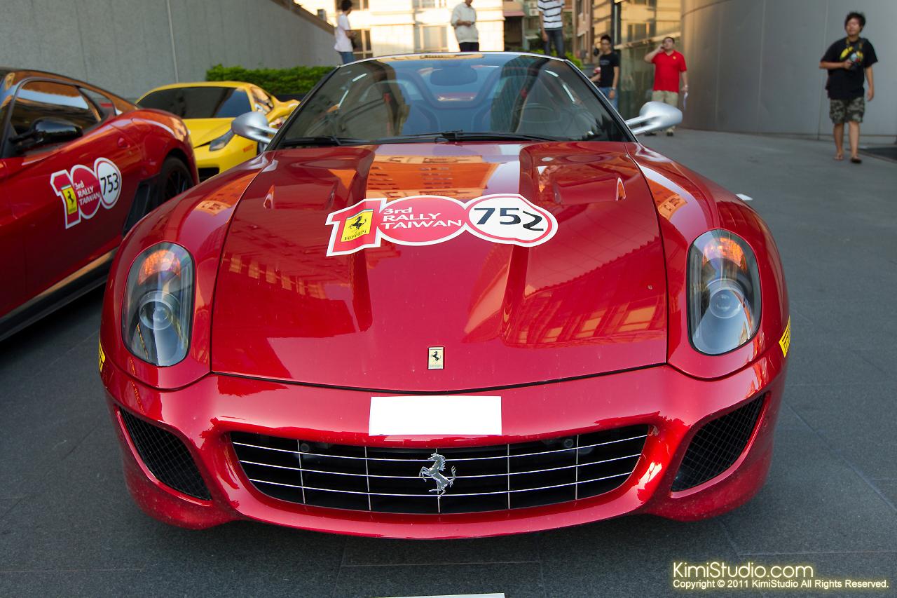 2011.10.28 Ferrari-022
