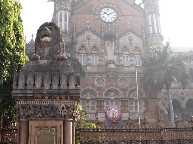 Chhatrapati Shivaji Terminus, Mumbai, Dec 2011. 2-275