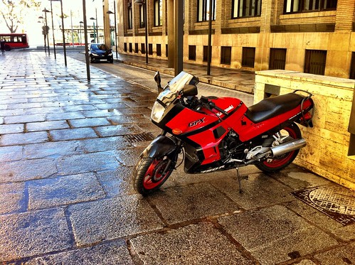 Kawasaki GPX by J. Learte