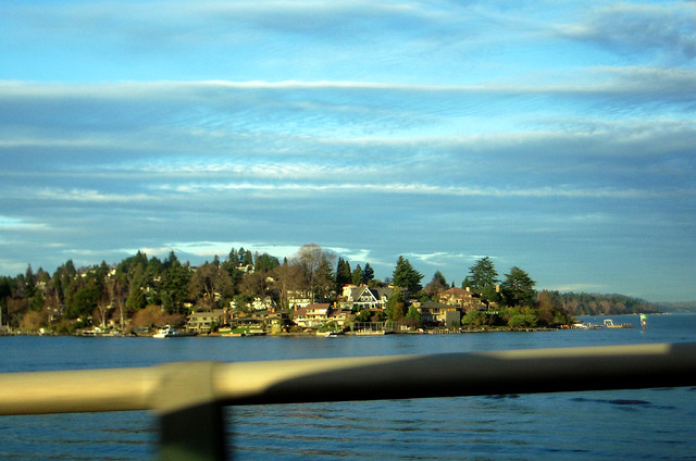 Homes Around Lake Washington