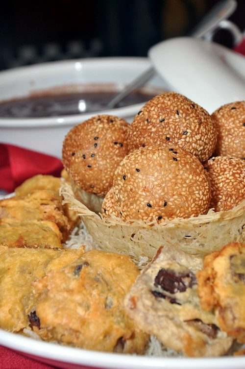 Golden Sesame Ball with Red Bean paste deep fried glutinious rice cake sweeten read bean soup