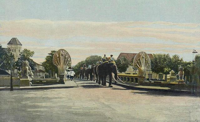 Indochine 1903 - Cambodge - Pnom Penh, le pont des Nagas