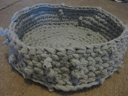 Crochet Patterns Pet Beds : Crochet bed for Lillie