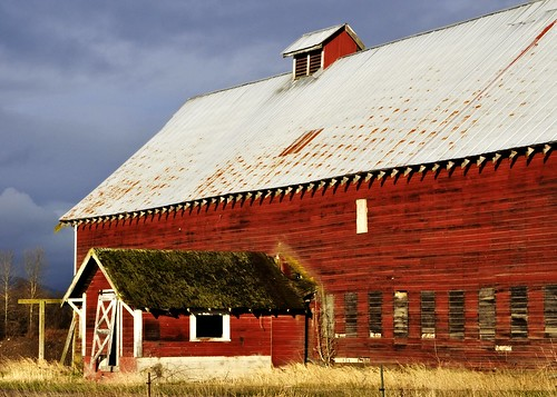 01-22-12 Another Red Barn by roswellsgirl