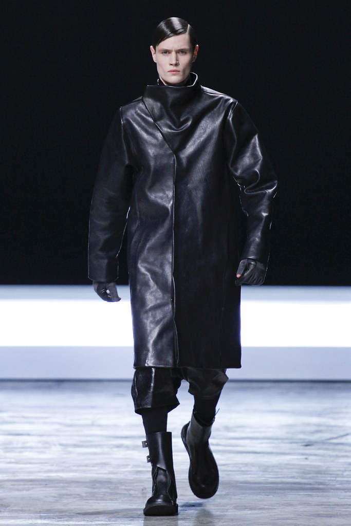 FW12 Paris Rick Owens030(VOGUE)