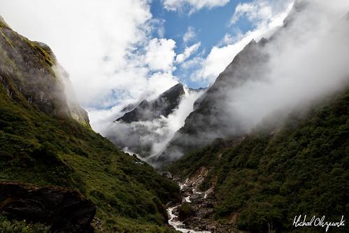 nepal water clouds river asia valley land himalayas acap gandaki kaski annapurnaconservationarea modikhola geographicalfeatures annapurnaconservationareaproject