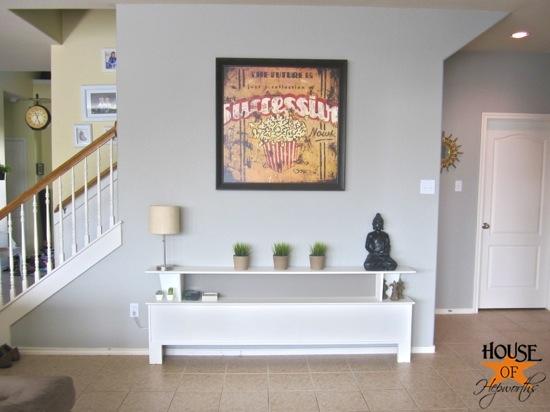 sofa_table_wall_living_room_hoh_03