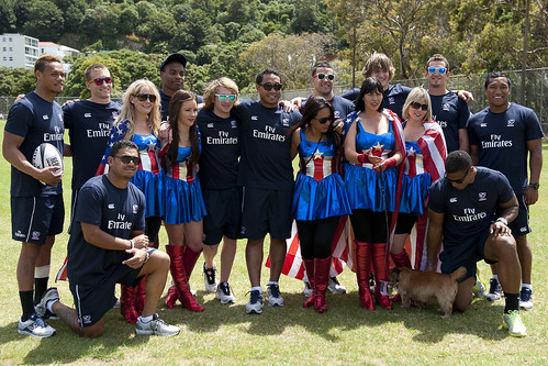 The USA Sevens team with the Eagleites cheerleaders.