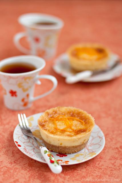 Orange mini cheesecakes