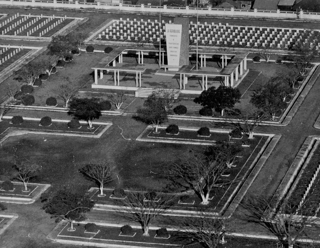 Nghĩa trang quân đội Pháp cạnh Ngã Tư Bảy Hiền