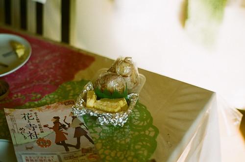 おべんと持って豪徳寺へ行く。