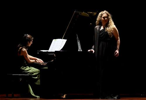 PILAR VÁZQUEZ (MEZZOSOPRANO) Y ELISA RAPADO (PIANO) - CONCIERTO EN LEÓN 03.02.2012