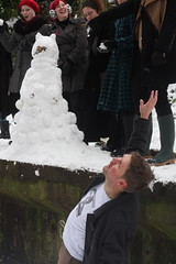 Snow, snowballs and snow-daleks on Parkland Walk: London N4: 05-Feb 2012 [5:2012] by asw909