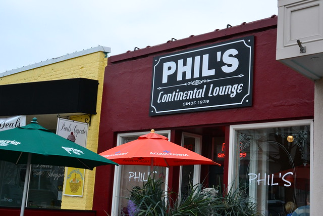 Phil's Continental Lounge