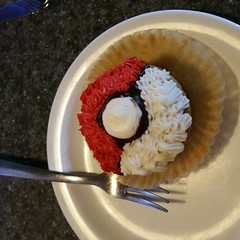 gotta catch em all #pokeballmuffin #omnomnom