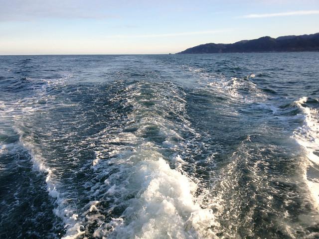 晩秋の日本海~航跡