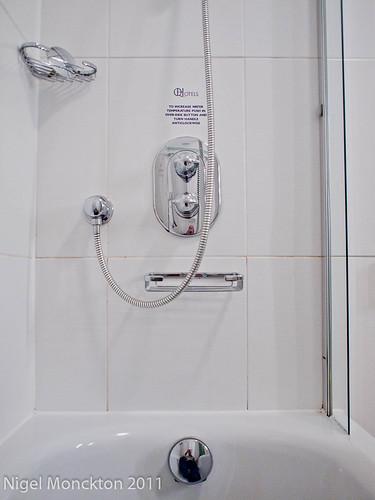 1000/648: 21 Nov 2011: In the bath by nmonckton