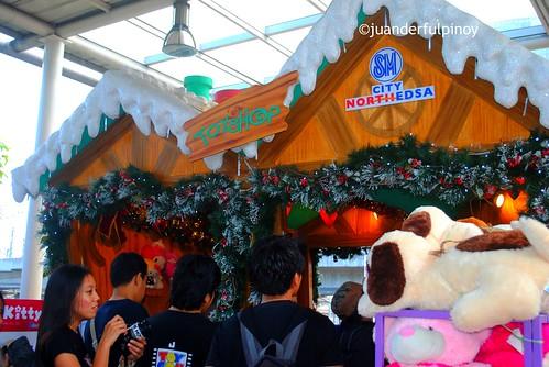 Santa's toy shop SM