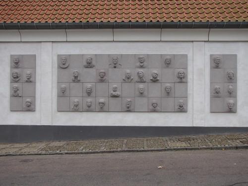 WESTERGAARD, Laila. 32 relieffer, eller Jesus i Hjørring, 2009: