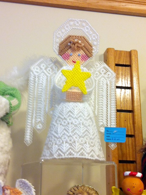 Plastic Canvas Christmas Angel