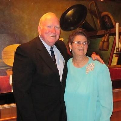 2010.08.23 Lynn & Jan Featherston