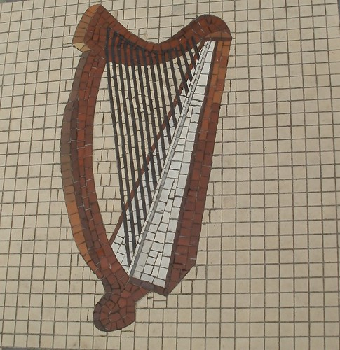 Harp in a Dublin music shop doorway