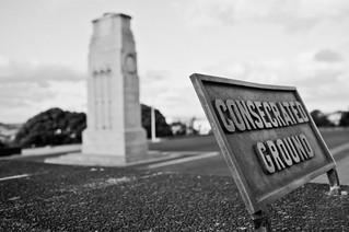 Cenotaph görüntü. newzealand blackandwhite bw film sign auckland cenotaph nzl aucklandcity aucklanddomain aucklandregion photoaday2011