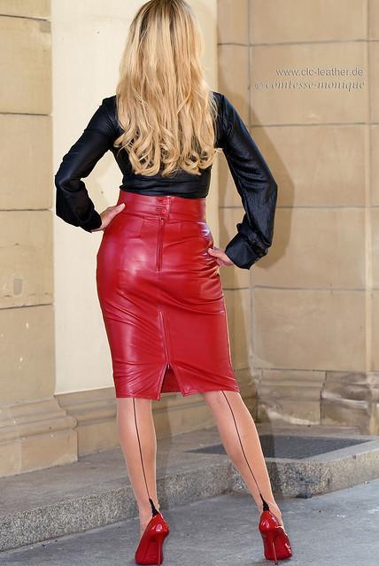 Pencil skirt seamed stockings 5