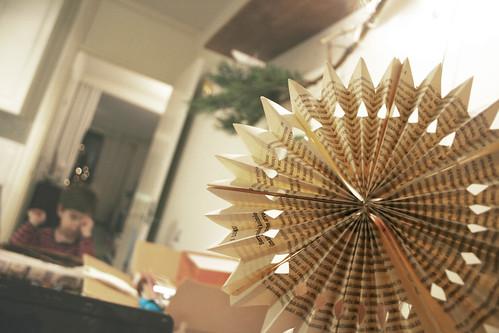 Paper treetop star