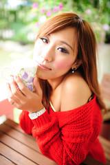 [フリー画像素材] 人物, 女性 - アジア, セーター, 台湾人, カップ ID:201201250800