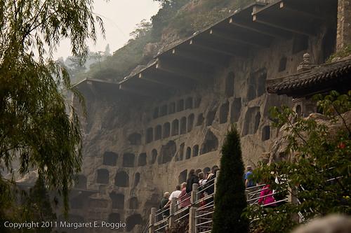 Visiting Longmen Grottoes in Luoyang 1