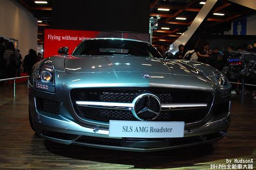 Benz SLS AMG Roadster(2)