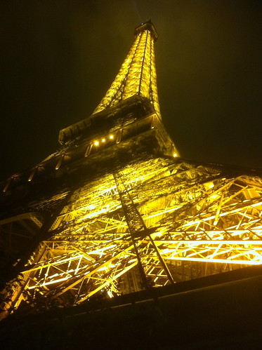 Eiffel Tower by currtdawg
