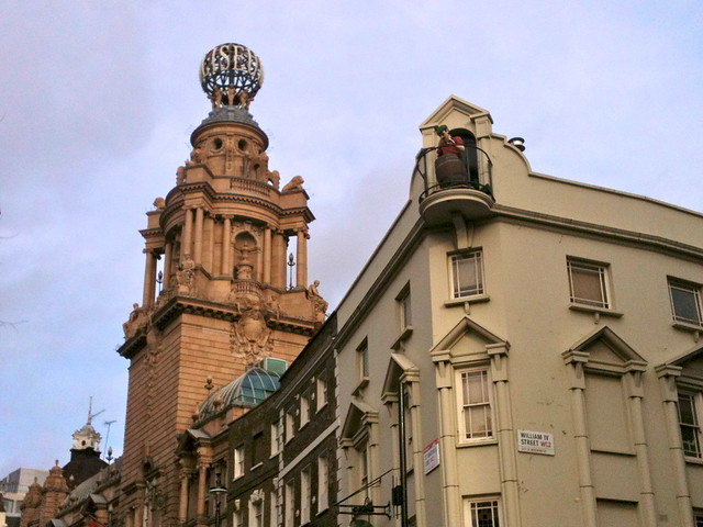 London Coliseum & Chandos pub, St. Martin's Lane