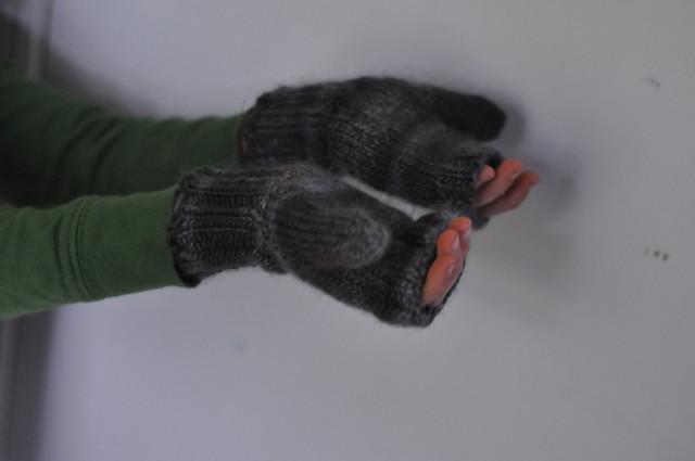 kid sized fingerles mitts.