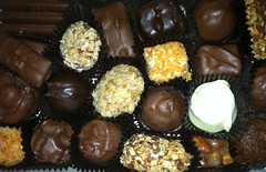 chocolate truffle, confectionery, chocolate balls, sweetness, bonbon, rum ball, produce, food, chocolate, cuisine, snack food, praline,