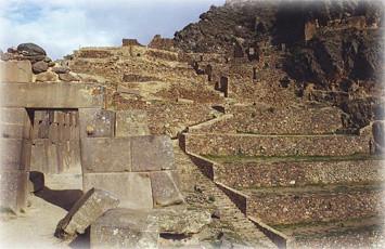 puerta-ingreso-al-templo-del-sol-ollantaytambo-urubamba-cusco