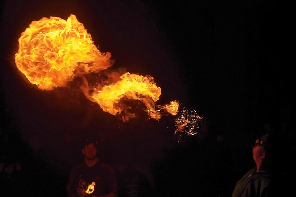 Photos cracheurs de feu - anniversaire 8 ans palais tokyo 21 janvier 2012 - Page 3 6742606051_e486a90b84_b