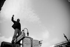 Haitham Mohammadein هيثم محمدين يقود الهتاف