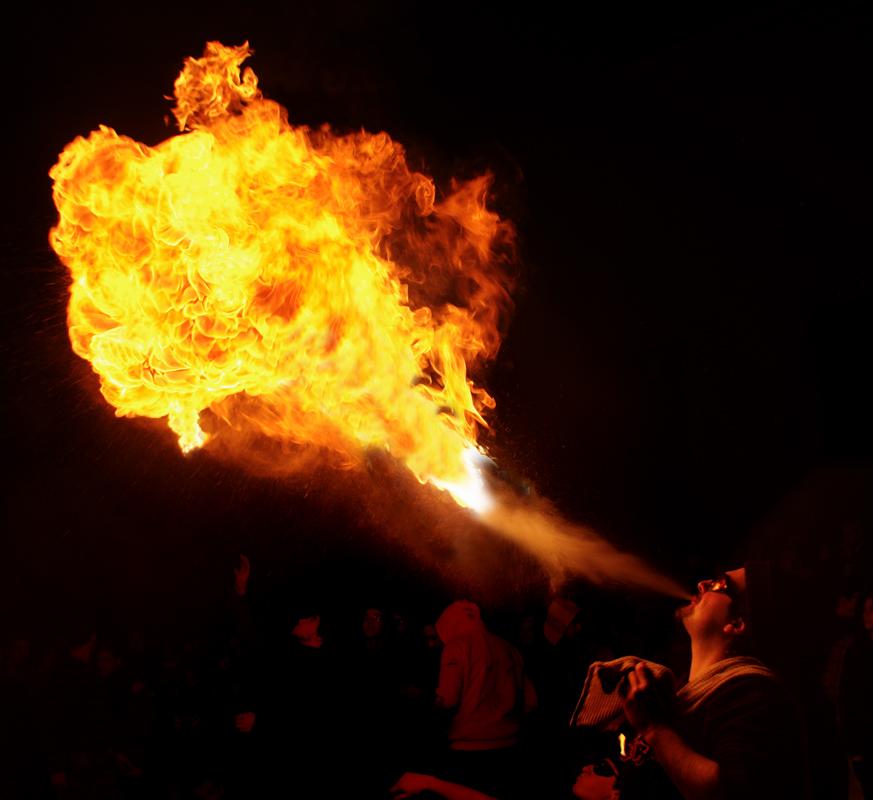 Photos cracheurs de feu - anniversaire 8 ans palais tokyo 21 janvier 2012 - Page 10 6762356255_44742a75ab_o