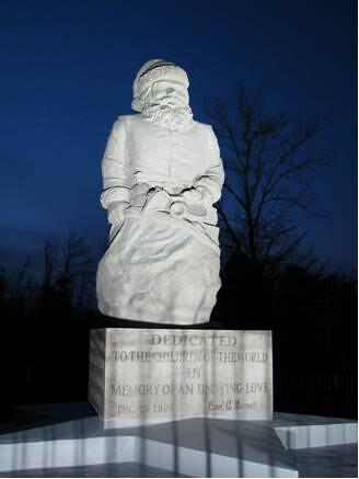 1935 Santa statue