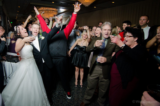 Getting married on new years eve means partying like a rockstar when the ball drops!!
