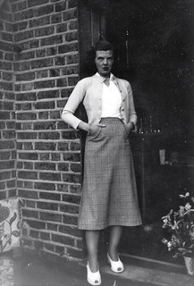 Stylish 50s Lady