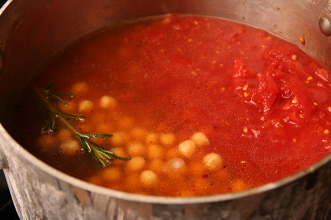 chickpea rosemary soup 4