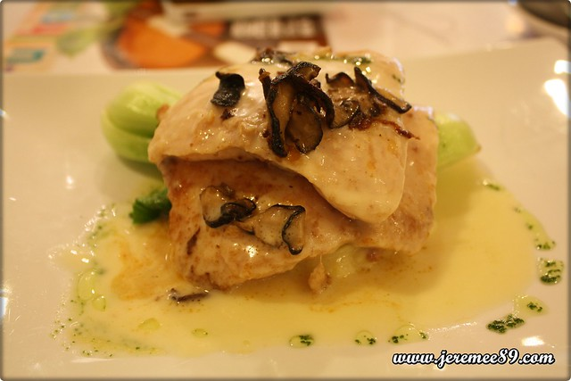 Fullhouse Lifestyle Store & Cafe @ Penang Times Square - Pan Sear Dory Fish with Asia Green